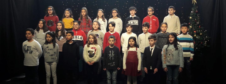 Nens i nenes cantant nadales a Mataró TV