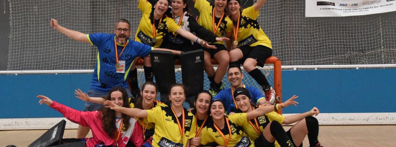 El CH Mataró femení sub16 celebrant el títol estatal (Imatge. CH Mataró)