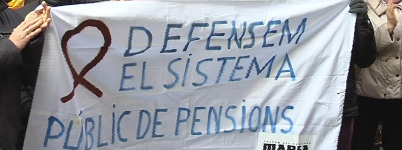 """Pencarta amb el lema """"Defensem el sistema públic de pensions"""""""