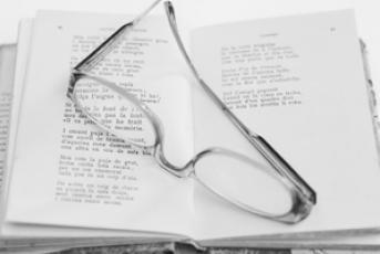 Llibre i ulleres