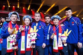 Algunes de les medalles obtingudes per Cristian Luque com a preparador físic de jugadors de bàdminton de Xina