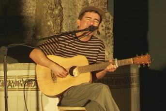 El cantant Ferran Palau actuant al Maresme Sound